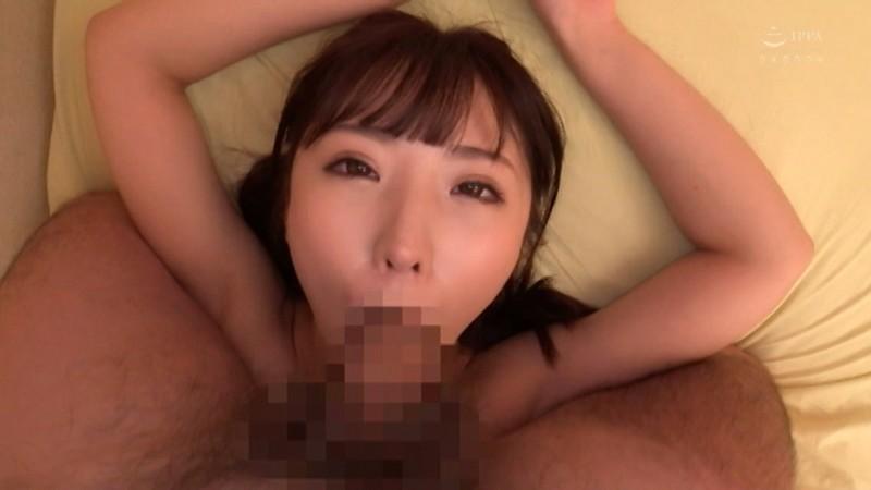 ドスケベ丸出し!!居酒屋で働くひなたちゃん(22)はSEXが大好き!!おもらし!中出し!