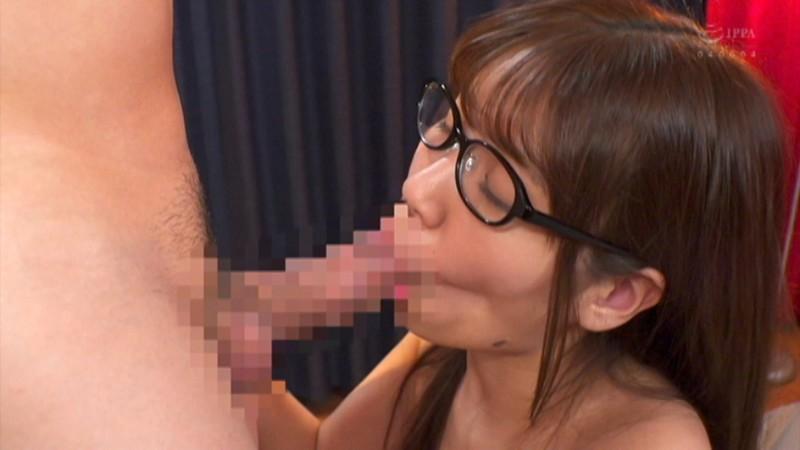 '性欲モンスター'みつはちゃんがメガネ女子になって再来!ドスケベ接吻×生中出しSEX キャプチャー画像 3枚目