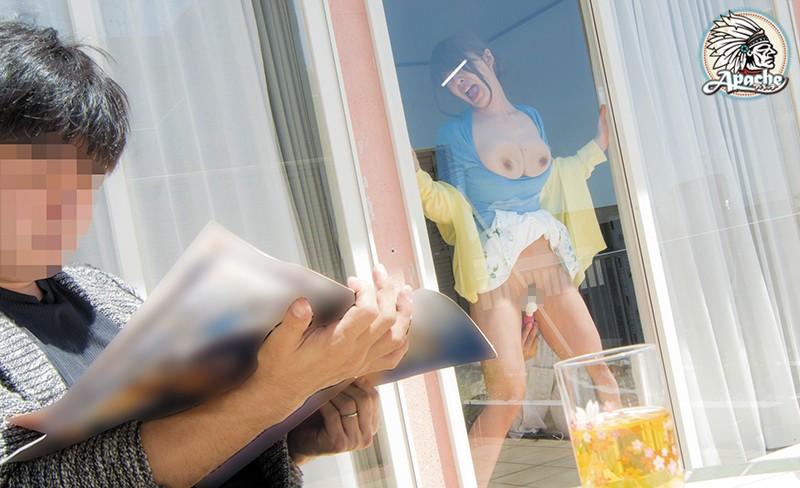 巨乳若妻を窓ガラスに押し付け痴漢でイカせまくる…