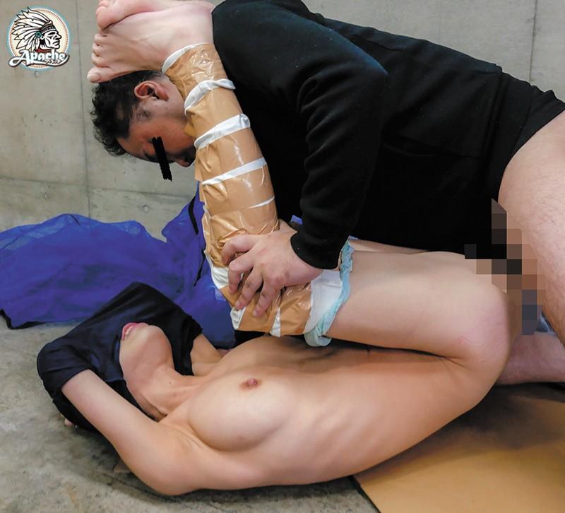 イモムシ拘束固定バイブ痴漢 の画像4