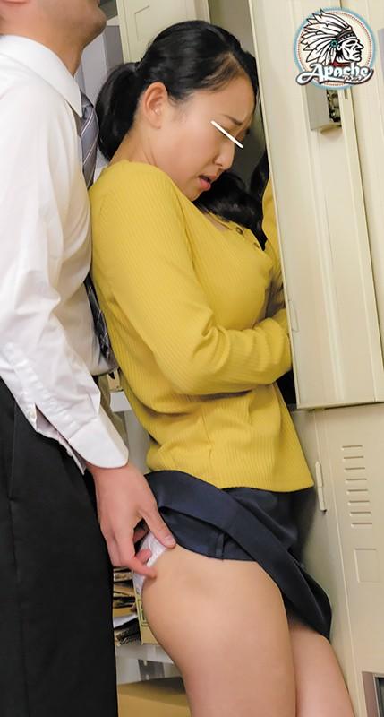 僕の妻は男だらけのパート先で従業員達の性処理をさせられているようなのですが、なぜか全く辞める気配がありません…。 パチンコ清掃員編 画像4
