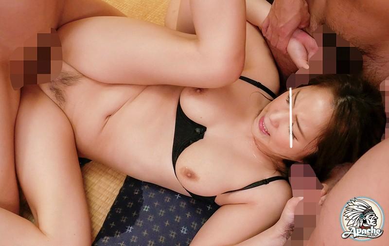 【エロ動画】町内会の飲み会に女1人で参加してきた巨乳人妻が輪姦!マンコにたっぷり中出しされる!【望月あやか】