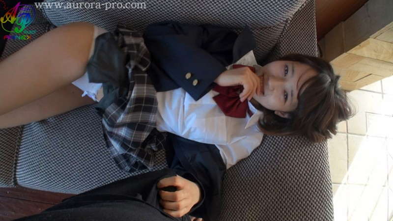 初撮りデビュー 倉持茜18歳!オトコ喰いの制服J●は変態的にSEXが好き 2枚目