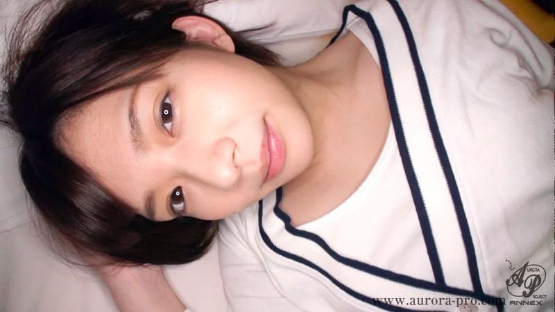 スレンダーでHな美乳の美少女女子校生、麻里梨夏のフェラハメ撮りプレイエロ動画!!【エロ動画】
