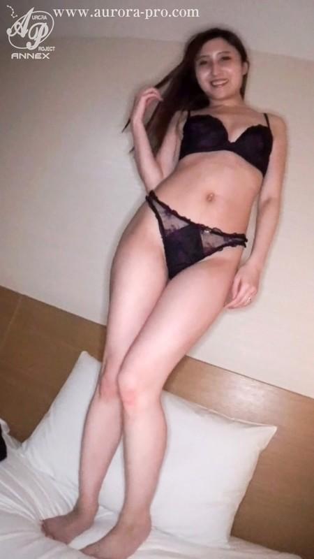 「夫以外の精液が欲しい」膣内射精・不倫SEXに溺れる元キャリア美人セレブ妻 南マナ 15枚目