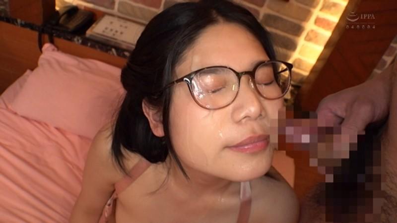 精子大好きメガネ女子にぶっかけ、ごっくん、ザーメン祭!! 10枚目