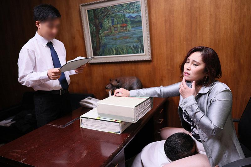 いびっていた取引先の男にデリヘルバイトがバレて一大事 生本番をさせられた挙句にバカにしていた部下にまで肉便器扱いされた女社長 松坂美紀 キャプチャー画像 6枚目