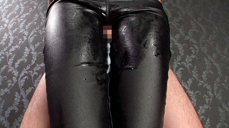 黒レザーパンツで白いザーメン搾り尽くす至極の腿こき