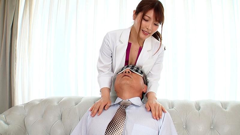 唾液をたっぷり飲ませてココロの治療をする接吻心理療法士・新村あかり先生のお仕事 11枚目