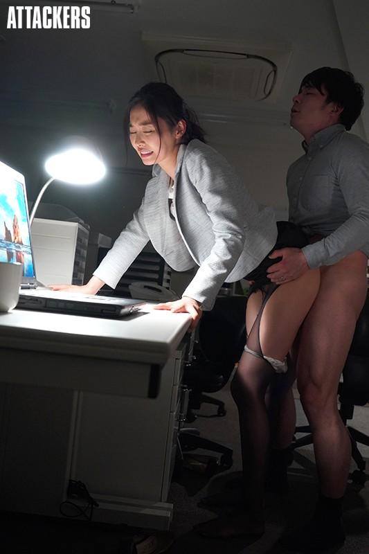嫉妬情姦 W不倫オフィス 夏目彩春 10枚目