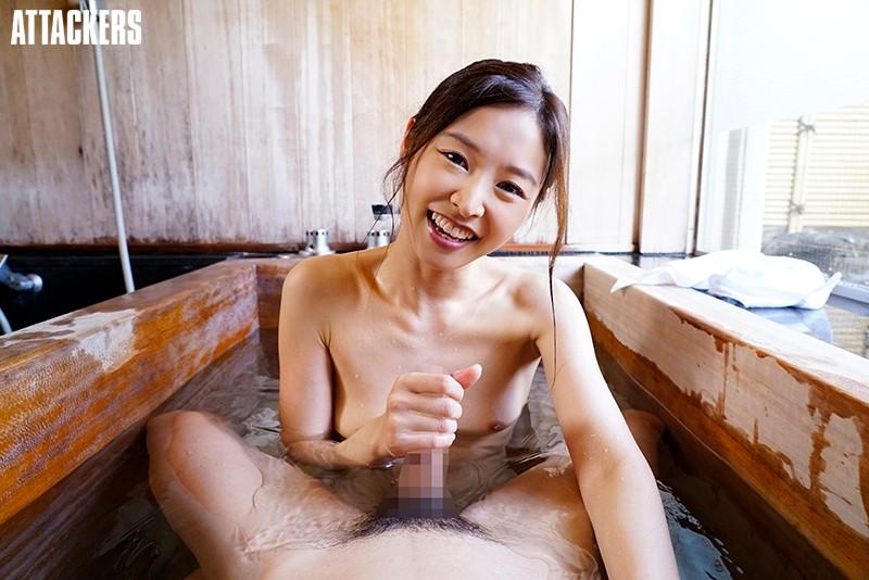 夏目彩春が温泉で手コキ抜き