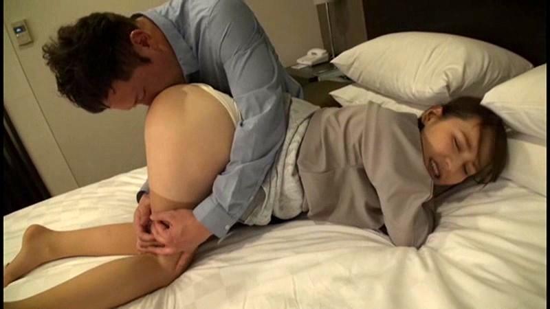 専業主婦ナンパ!!前戯不足に悩む超美乳妻の悶絶SEX!!! 画像11
