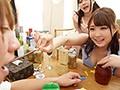 女子大生泥酔NTRサークル旅行 俺たちの彼女がメス化した集団...sample2