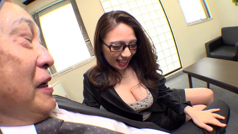 SUPER FISHEYE FETISHISM 迫力興奮蜜写 肉感ボインでドスケベ女社長のチ○ポ狩り 織田真子 画像2