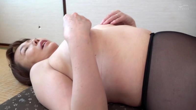 近親相姦 母のお尻〜五十路母の柔らか完熟巨尻 真田紗也子9