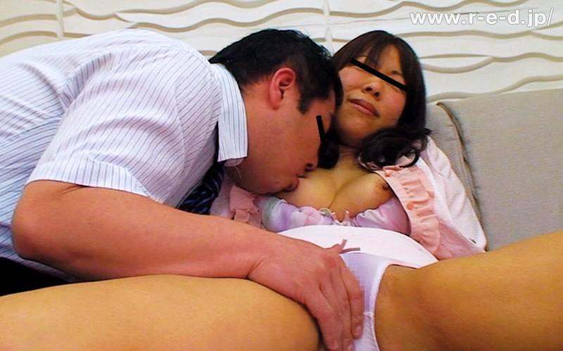K●校職員告発!問題児を抱えるママと教師のHな裏取引21「こんな私の身体なんかで退学が免れるなら…」24名の母 キャプチャー画像 8枚目