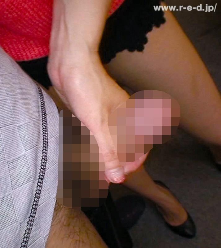 【人妻】唾液と粘膜が交差する!近所の綺麗な奥さんにじゅるじゅるキスと高速手コキでイカサレタ40名 キャプチャー画像 7枚目