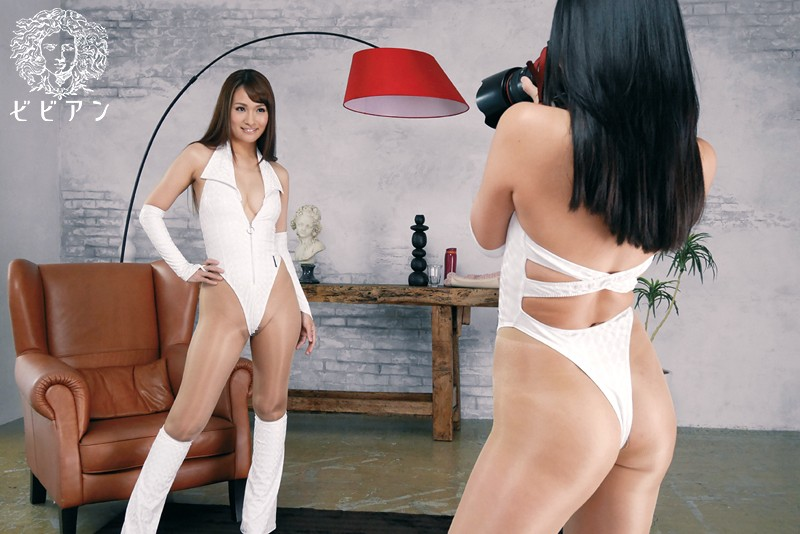 【スレンダー】 レースクィーンレズビアン~サーキットの娘たち、二人きりの撮影オフ会~ 都盛星空 大場ゆい キャプチャー画像 9枚目
