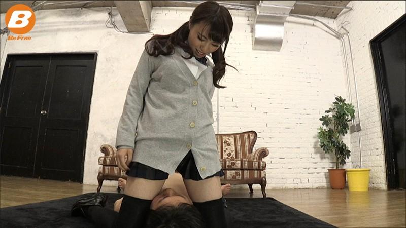ニーハイ小悪魔 制服美少女 相沢夏帆 2枚目