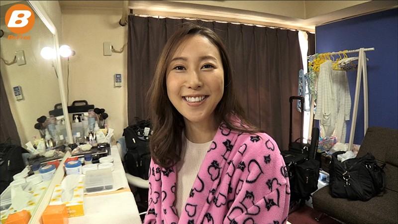 一ヵ月間オナニーとセックス禁止!松下紗栄子が極限の禁断症状の中、ムラムラ全開イキまくり性交! 2枚目