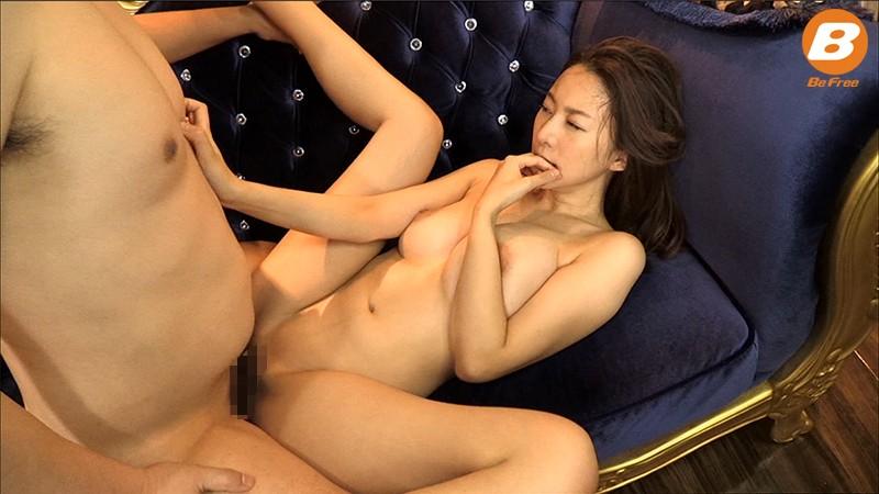 【乳首】スケベスレンダーな巨乳の痴女、松下紗栄子の3P立ちバック無料H動画。【松下紗栄子動画】