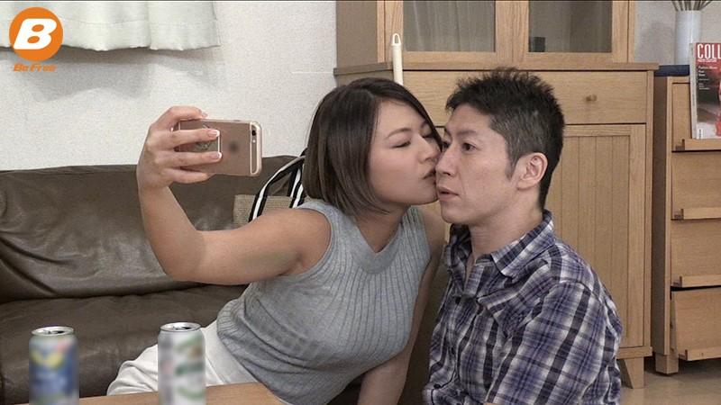 彼女が四日間実家に帰省している間、彼女のお姉さんと夢中で中出ししまくった 今井夏帆 2枚目