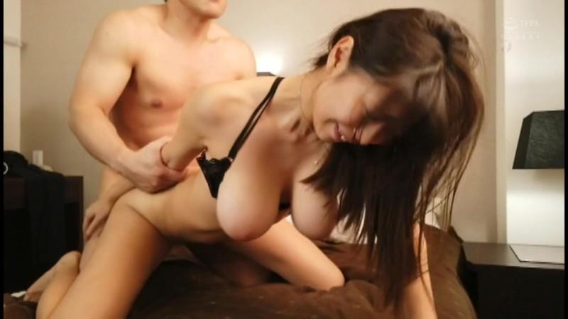 美しい乳房・クビレ・乳首 S級美女の極乳BEST ―細い体に規格外巨乳!これぞ究極エロボディ!―