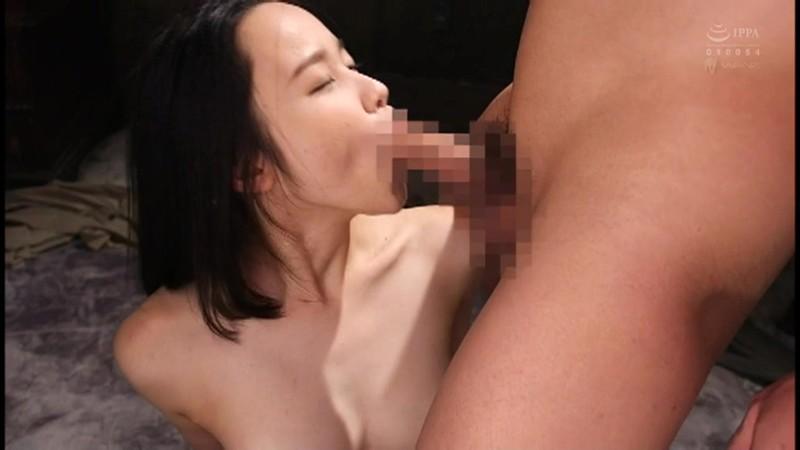 嫌がる女の喉奥をブチ●す 残忍イラマチオBEST 画像10