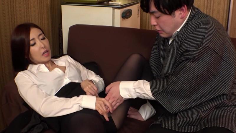 旅行代理店営業課長 童貞君との商談性交しました! 中野七緒 キャプチャー画像 1枚目