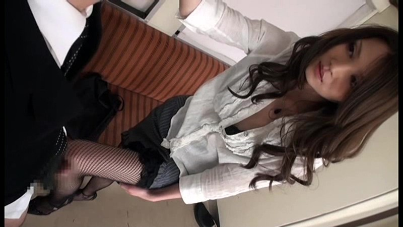 オフィスでOL社員のミニスカ黒パンストにチンポを勃たせてたらイヤらしい目線に気づいた女たちは僕のチンポを責め遊び始めてきた[cagk00001][CAGK-001] 4