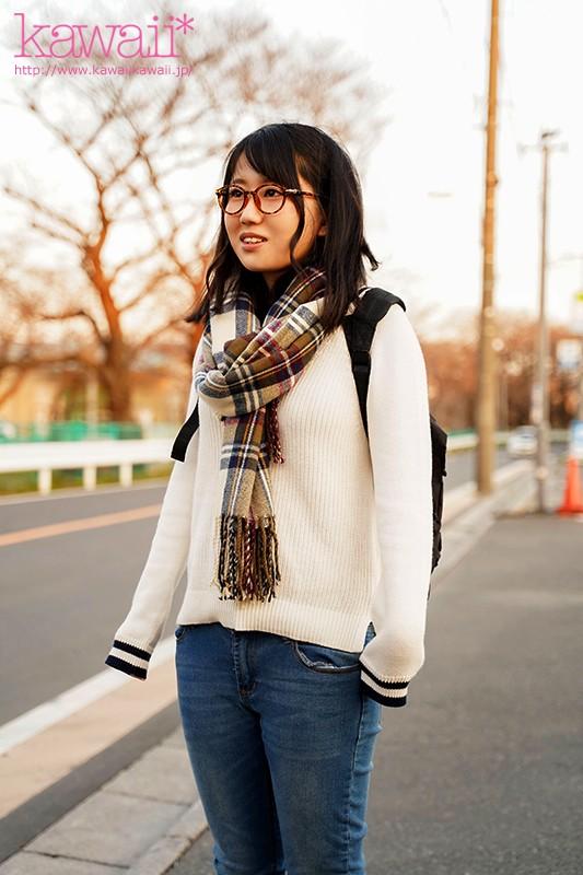 天然アニメ声人見知りで読書好き 富山の自然が育んだ敏感美乳メガネ女子1本限りのAV体験 堀越みな 12枚目