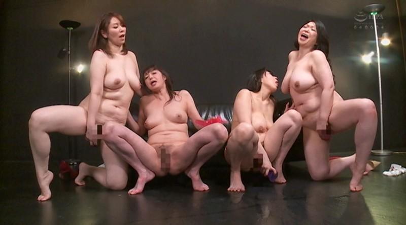 完全撮り下ろし!アナタを挑発しながらディルドオナニーを見せつける女たち…ガニ股で下品に腰振る発情オマ○コをご覧ください2 画像20