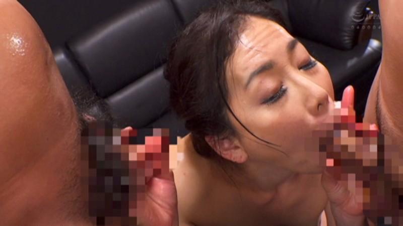 ドスケベ熟女AVデビュー!初3P×生中出し!! 日立ひとみ