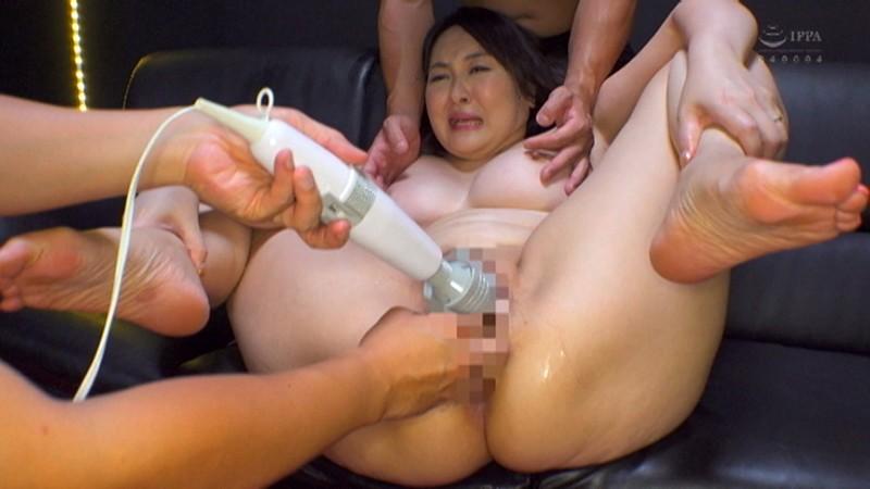Hカップ爆乳人妻AVデビュー!大好きなデカチンを貪るド淫乱生中出しSEX 菜七子さん(42)