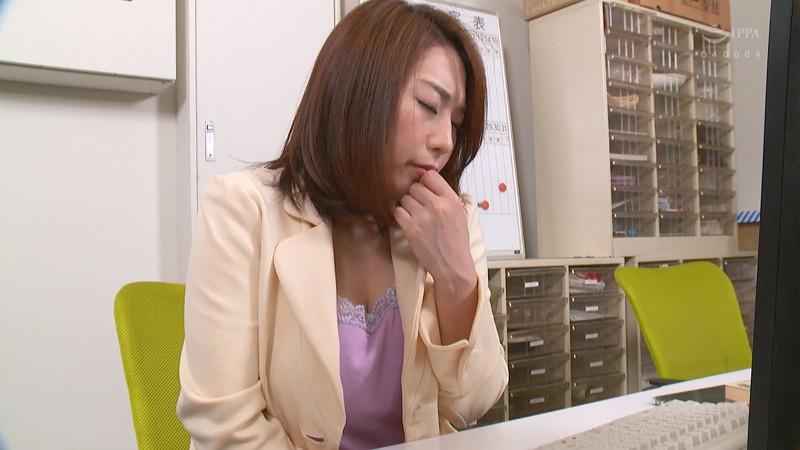 キモい官能小説家にペット志願する乳首のキレイな女編集者3 八乃つばさ 2枚目