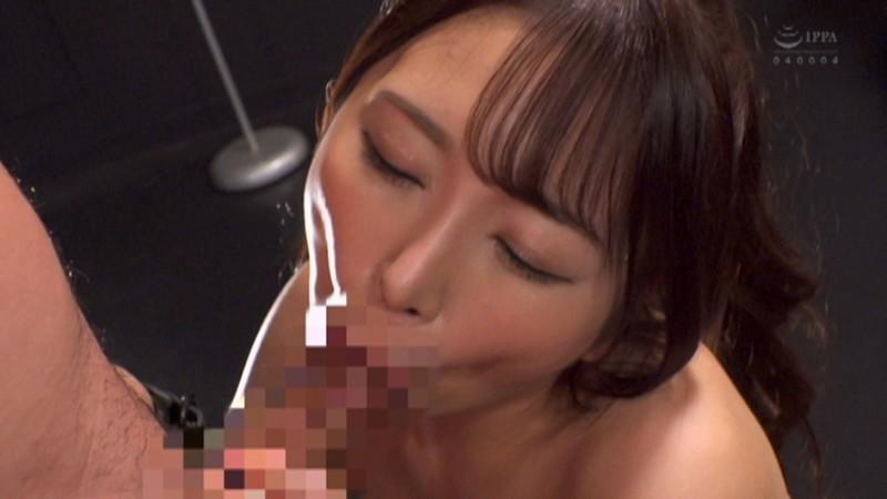 夫の上司に接吻調教された若妻 加藤ももか14