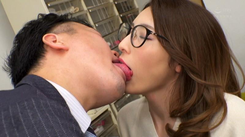 夫の元上司に接吻調教された若妻 森沢かな2