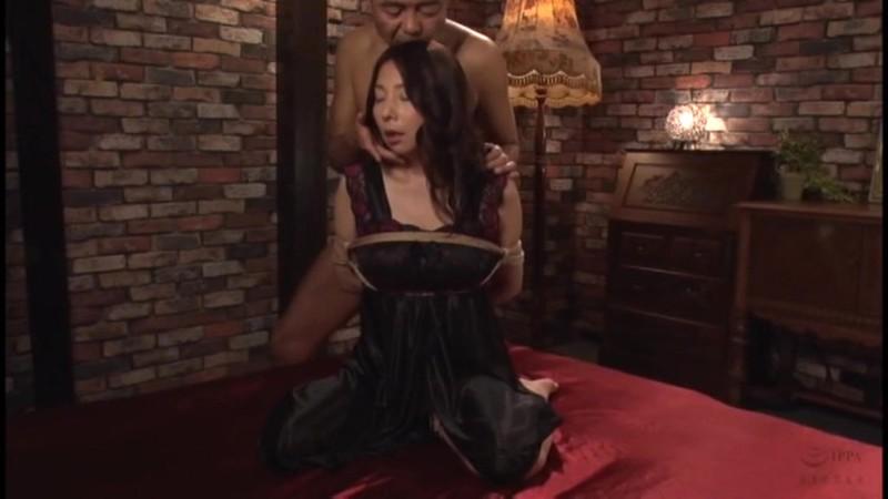 下男の肉奴として毎夜調教されるハイソ夫人 一条綺美香