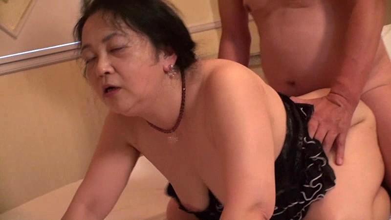 全国熟女捜索隊 四十路五十路の即ズボ熟女中出しナンパ 北海道篇 無料エロ画像7