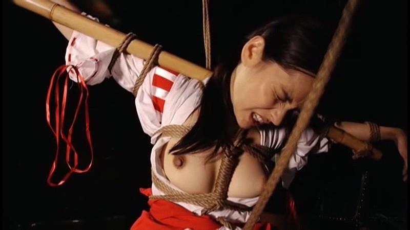猿轡を噛まされうめき声をあげる女達|無料エロ画像17