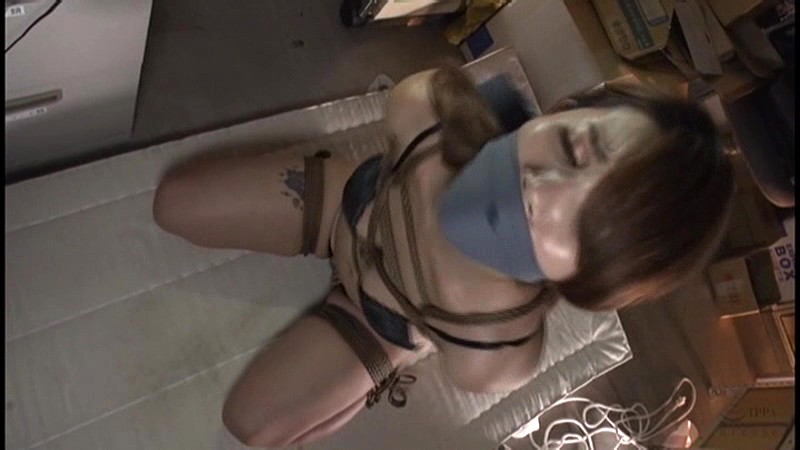 猿轡を噛まされうめき声をあげる女達|無料エロ画像6