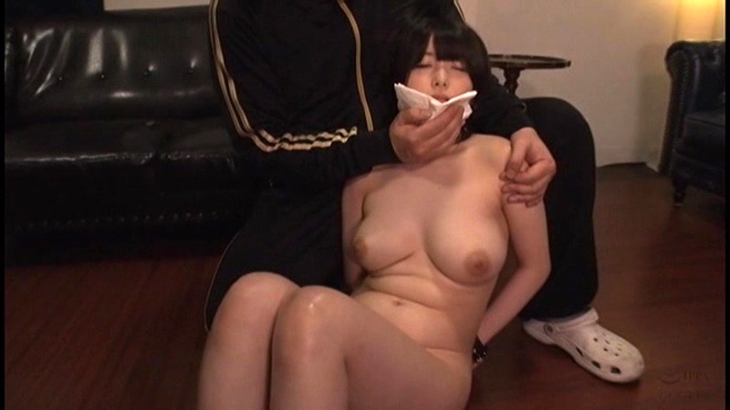新人メイド浣腸お仕置きクラブ 赤渕蓮 1枚目