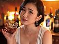[DASD-827] ヤレそうでヤレない。美人で有名なママがいる地方で人気のスナック店。 舞原聖