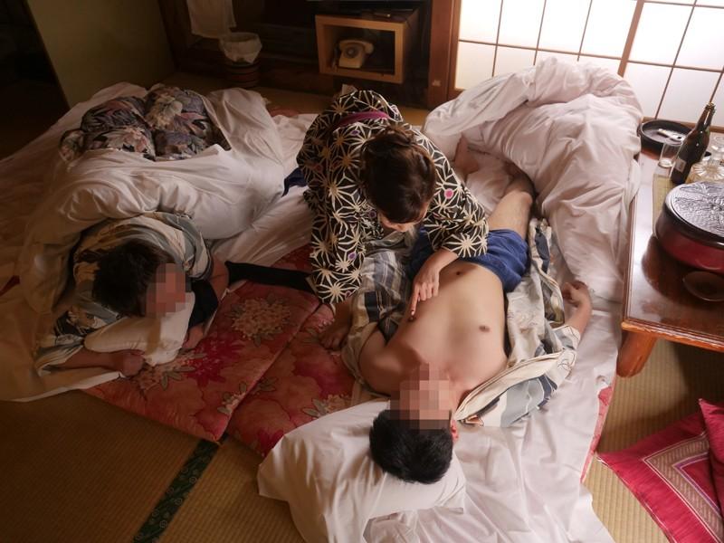 栃木県の山奥にある人気の温泉宿に「水野朝陽」が潜入!魅惑の美乳とテクニックで宿泊中の男性客の特濃ザーメンを何発搾り取れるのか!? キャプチャー画像 17枚目