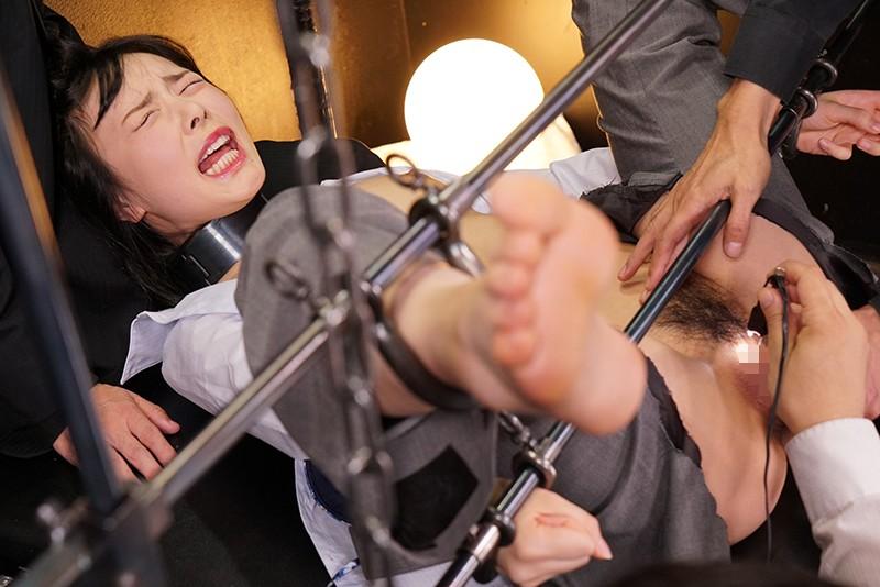 断末魔の女体は奈落に沈む 轟沈鉄枷地獄 EPISODE-05:拷虐の秘肉炎上に慄く若き知性の惨いこと 五十嵐星蘭 キャプチャー画像 8枚目