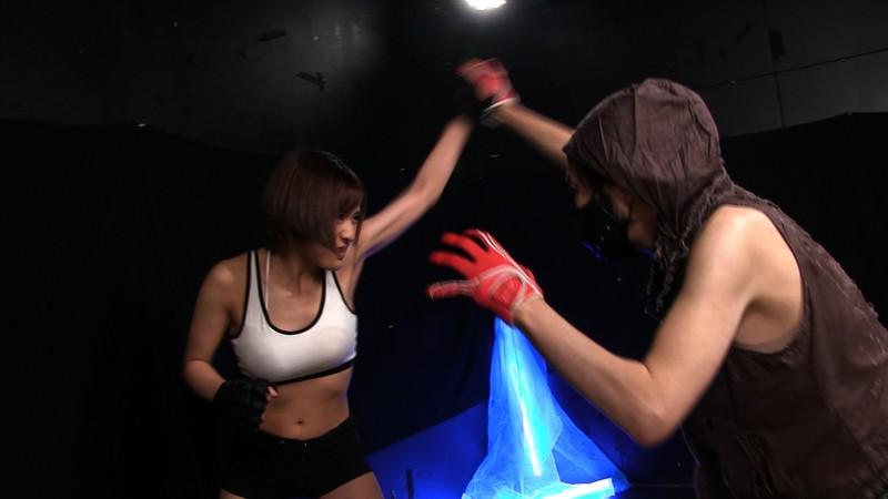 肉体の悪魔 〜残酷なる極天逝〜 Part2 屈強な筋肉を持つ美女格闘家 佐久間恵美 3枚目