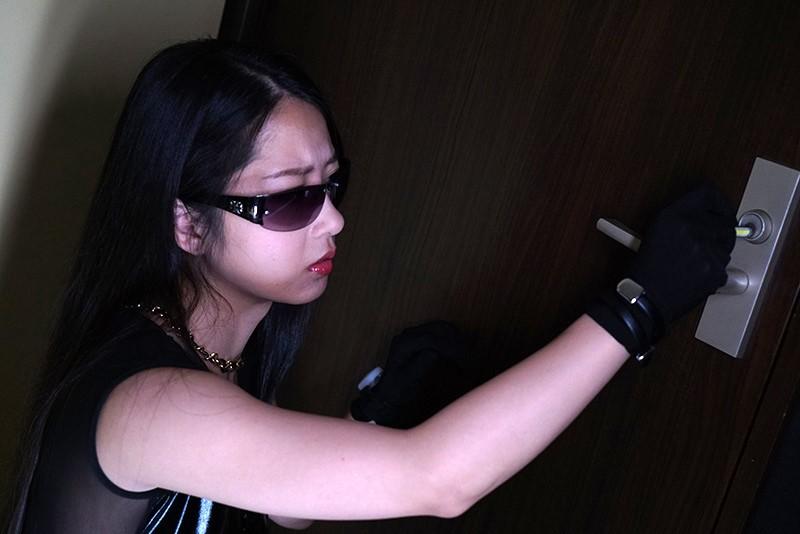 ドSな女の完堕ち計画 Episode-1 バッキバキの女王様なSPY、夜桜めぐみ 鈴木さとみ 5枚目
