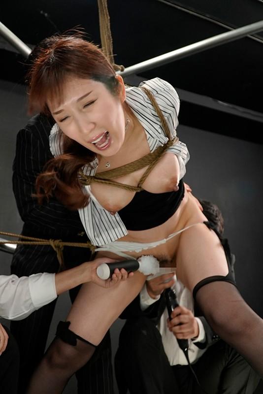 BeAST-狂辱の麻薬捜査官- Case-004:姫咲真奈美の場合 究極の残酷女肉拷問! 無惨に涙を垂れ流す狂った秘奥 彩奈リナ キャプチャー画像 15枚目