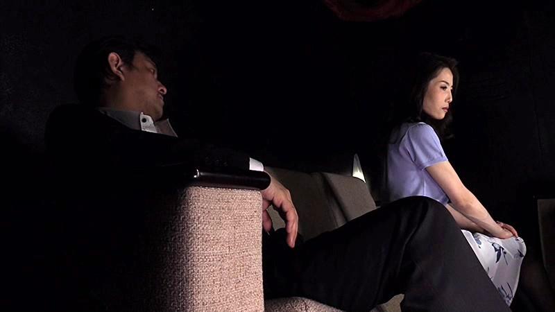 秘肉淫壺拷問倶楽部 〜女体の奥から炎上する狂乱の残虐〜 第弐話:男に厳しすぎる女社長の屈辱的発狂悲話 真山由夏 1枚目