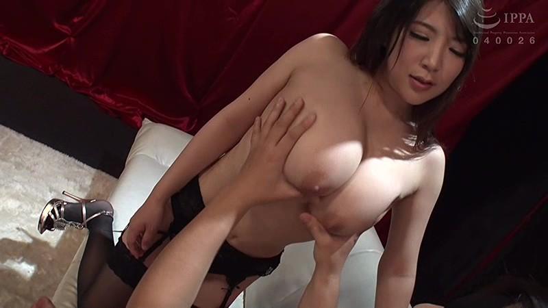 僕の鼓膜にからみつく!爆乳痴女のねっとりえげつない囁き淫語セックス 優月まりな 画像2